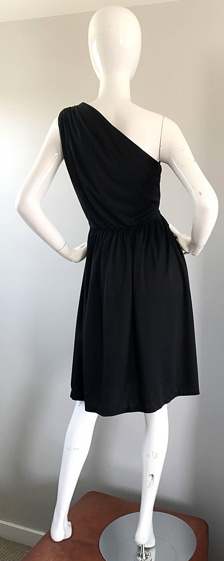 1970s Anthony Muto for Joseph Magnin Black Jersey One Shoulder 70s Grecian Dress For Sale 1