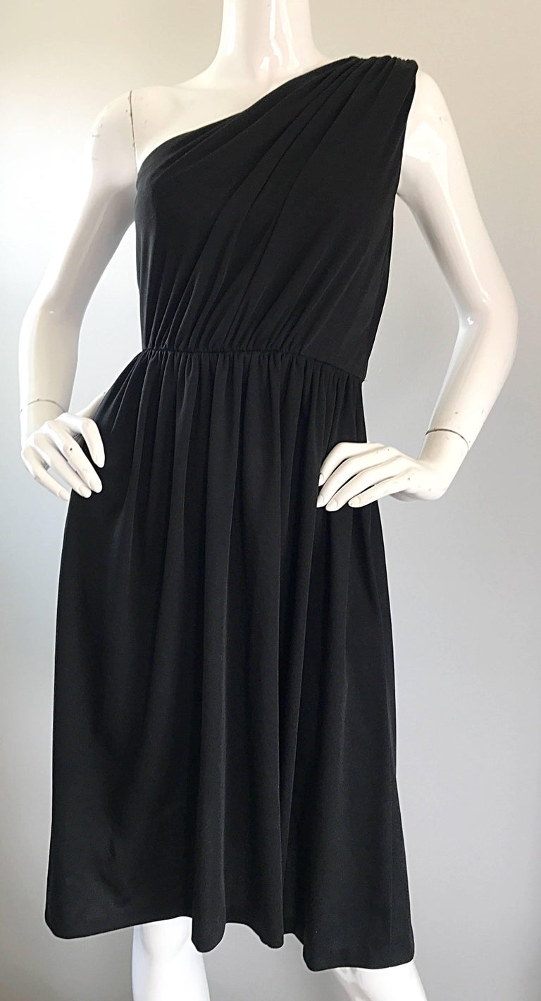 1970s Anthony Muto for Joseph Magnin Black Jersey One Shoulder 70s Grecian Dress For Sale 2
