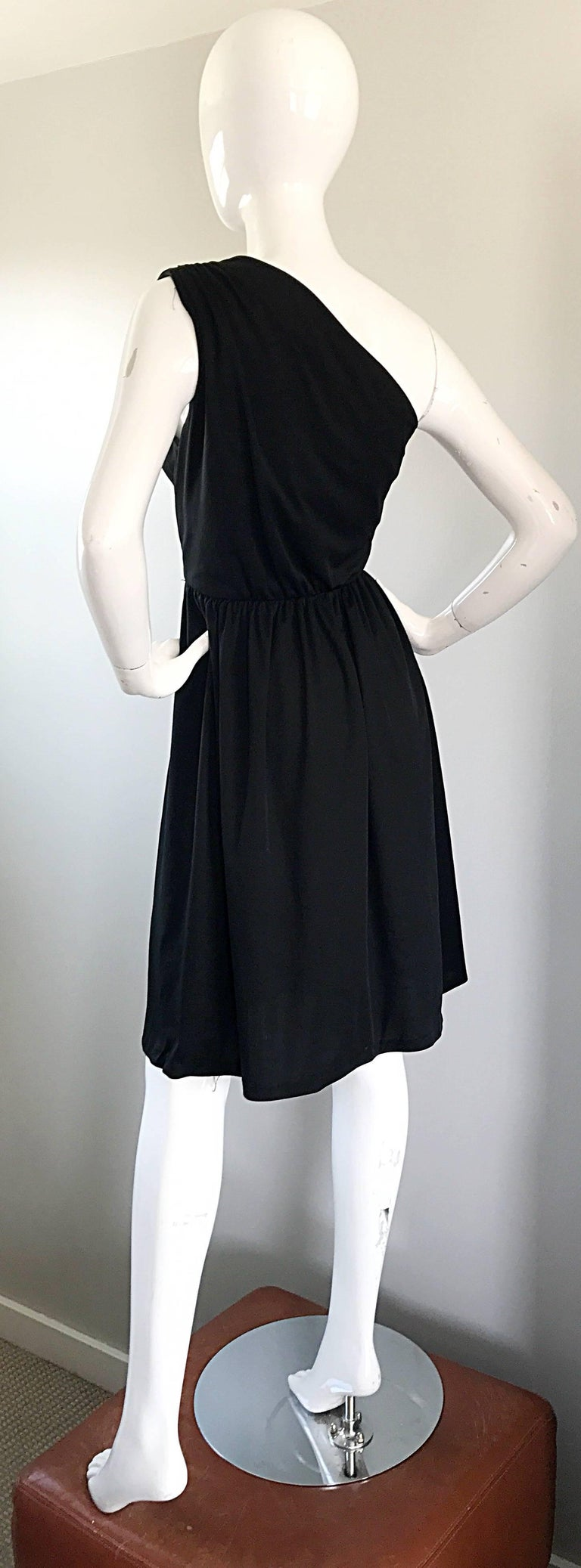 1970s Anthony Muto for Joseph Magnin Black Jersey One Shoulder 70s Grecian Dress For Sale 4