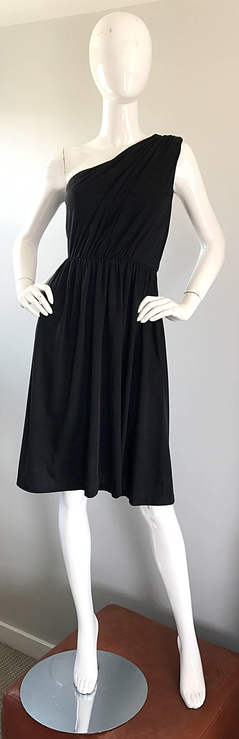 1970s Anthony Muto for Joseph Magnin Black Jersey One Shoulder 70s Grecian Dress For Sale 5