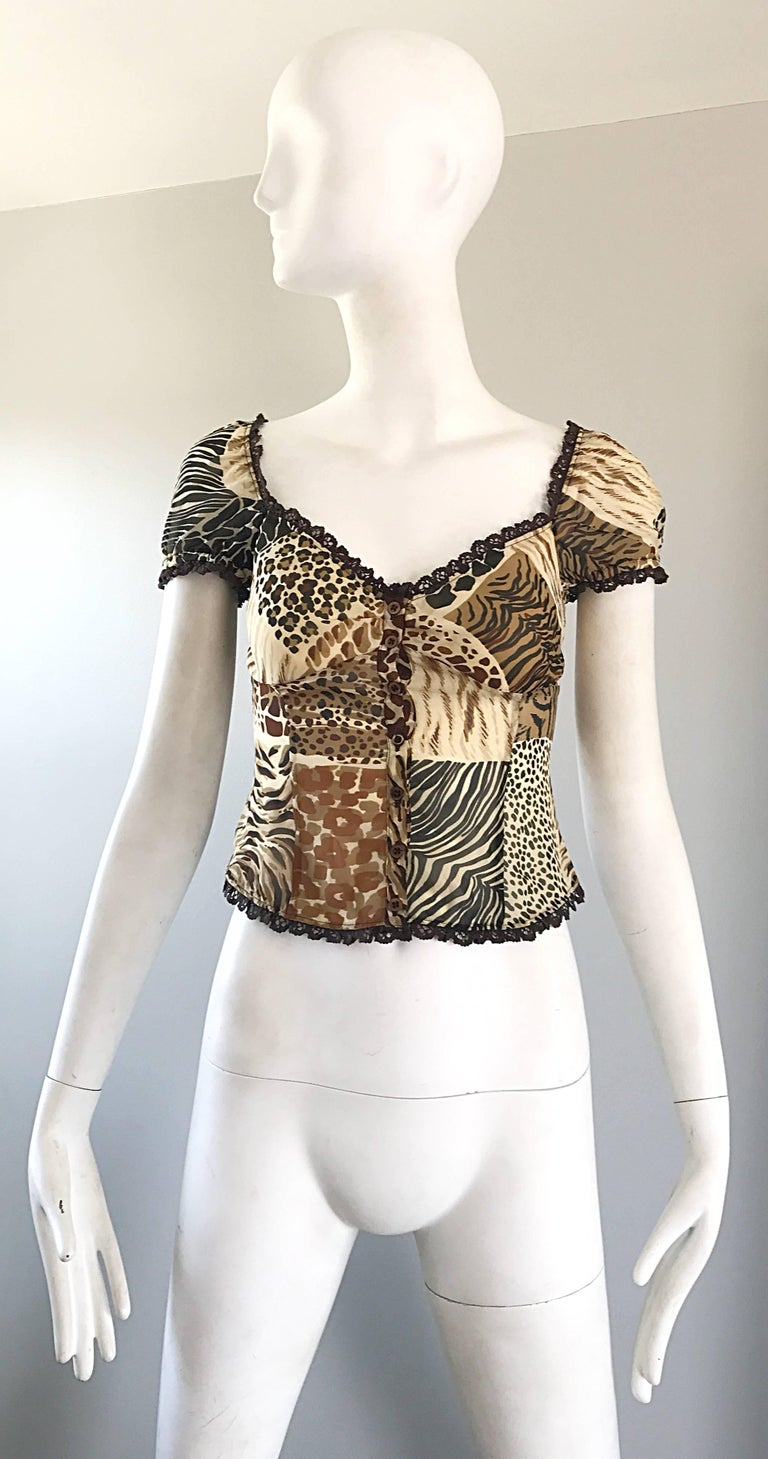 1990s Moschino Cheap & Chic Animal Print Vintage 90s Silk Short Sleeve Crop Top  For Sale 4