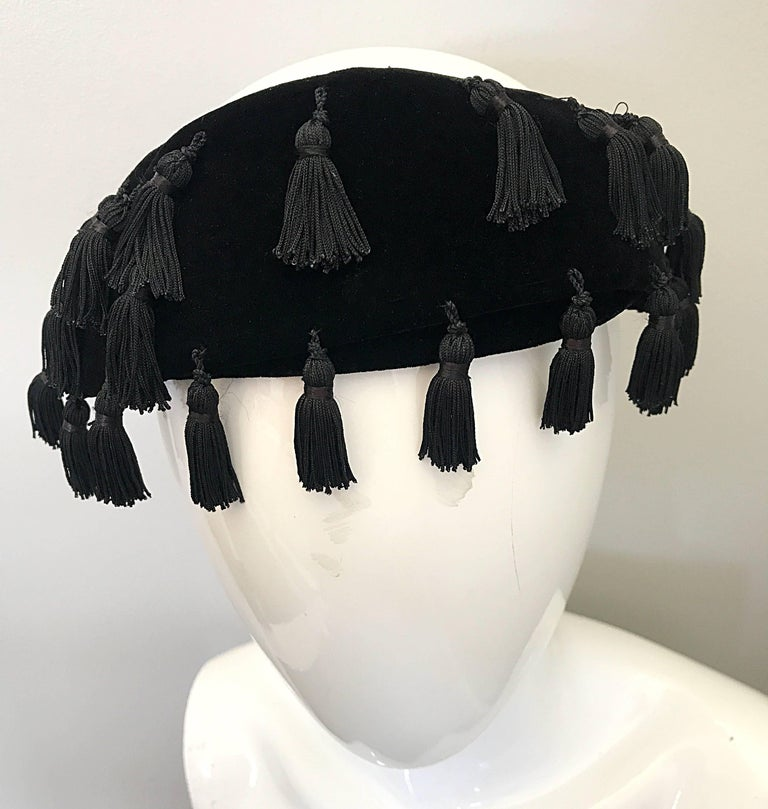1950s Neiman Marcus Black Velvet Tassels Vintage 50s Half Hat Fascinator  In Excellent Condition For Sale In Chicago, IL