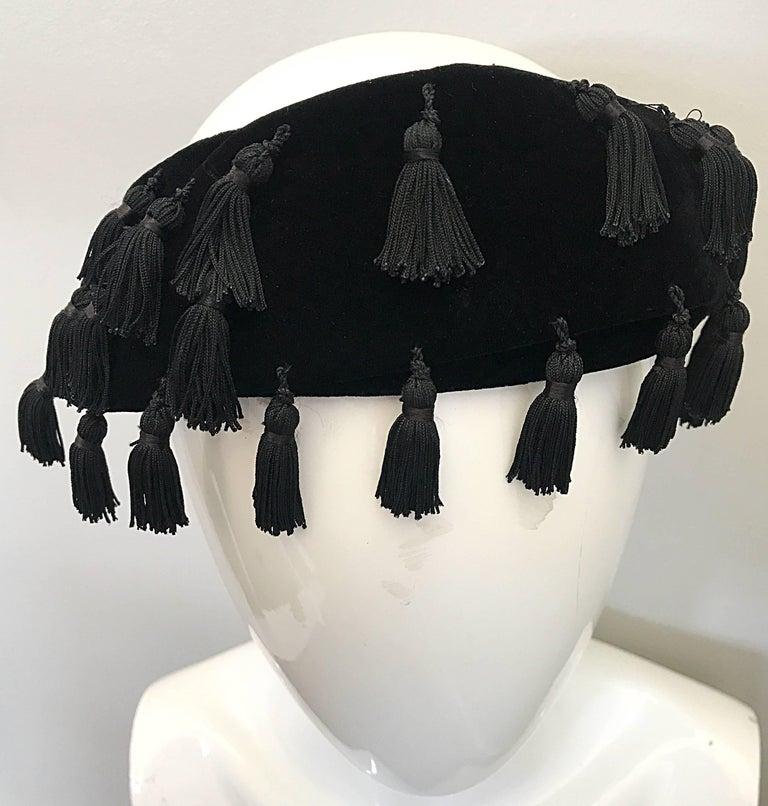 1950s Neiman Marcus Black Velvet Tassels Vintage 50s Half Hat Fascinator  For Sale 1