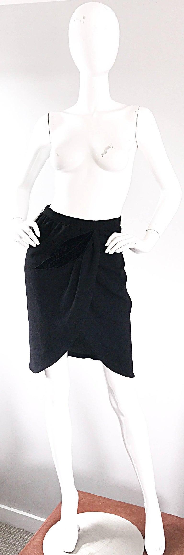 10589ec90304 Vintage Valentino Black Wool + Velvet Sz 4 Leaf Motif High Waisted Pencil  Skirt In Excellent