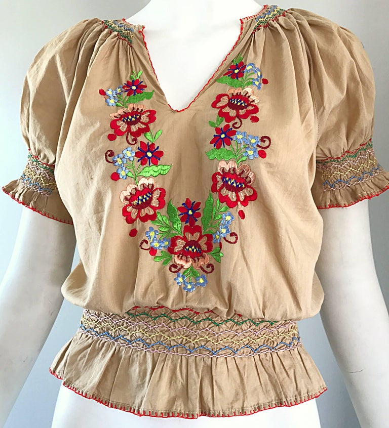 1940s Hungarian Embroidered Khaki Peasant Vintage 40s Smocked Crop Top Blouse  For Sale 1