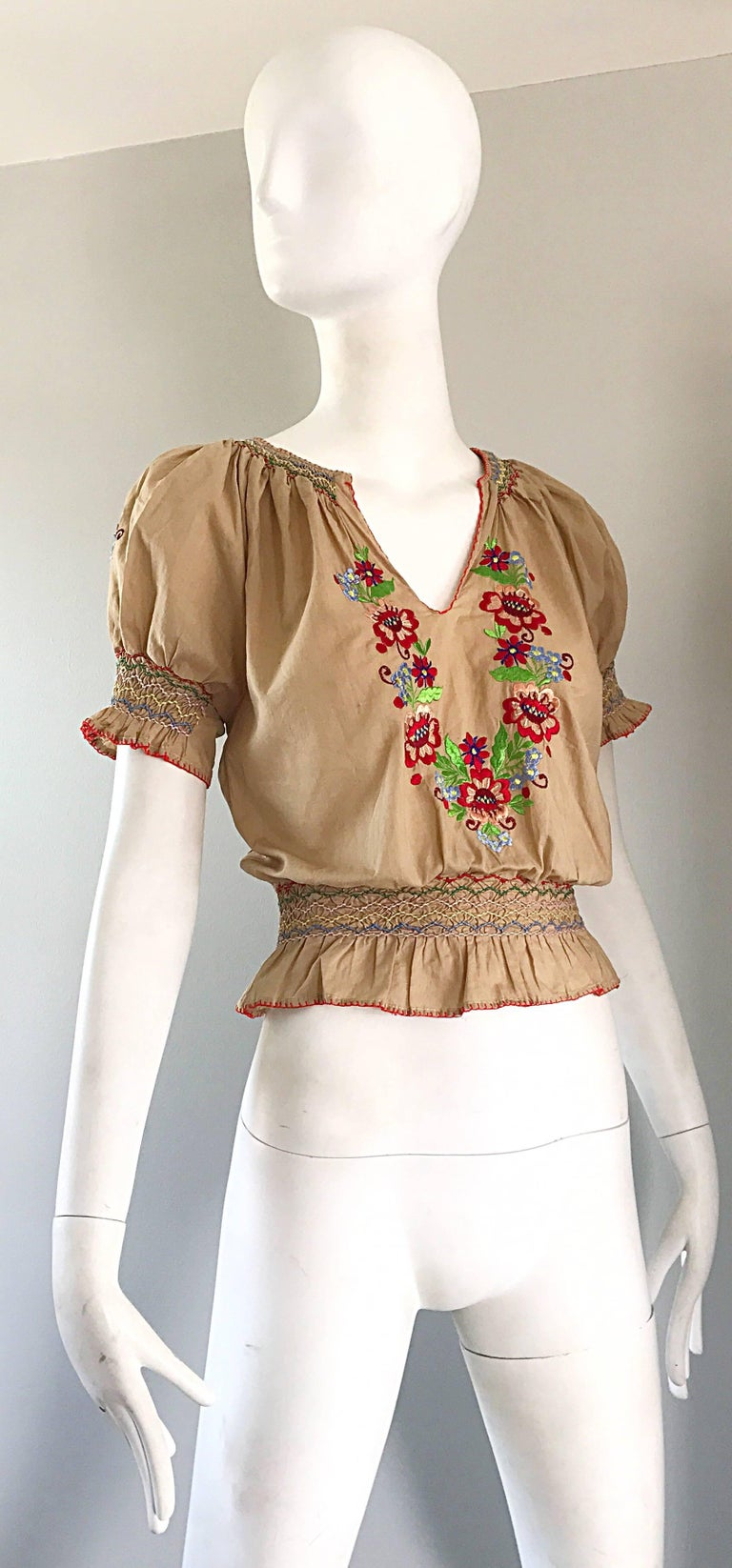 1940s Hungarian Embroidered Khaki Peasant Vintage 40s Smocked Crop Top Blouse  For Sale 2