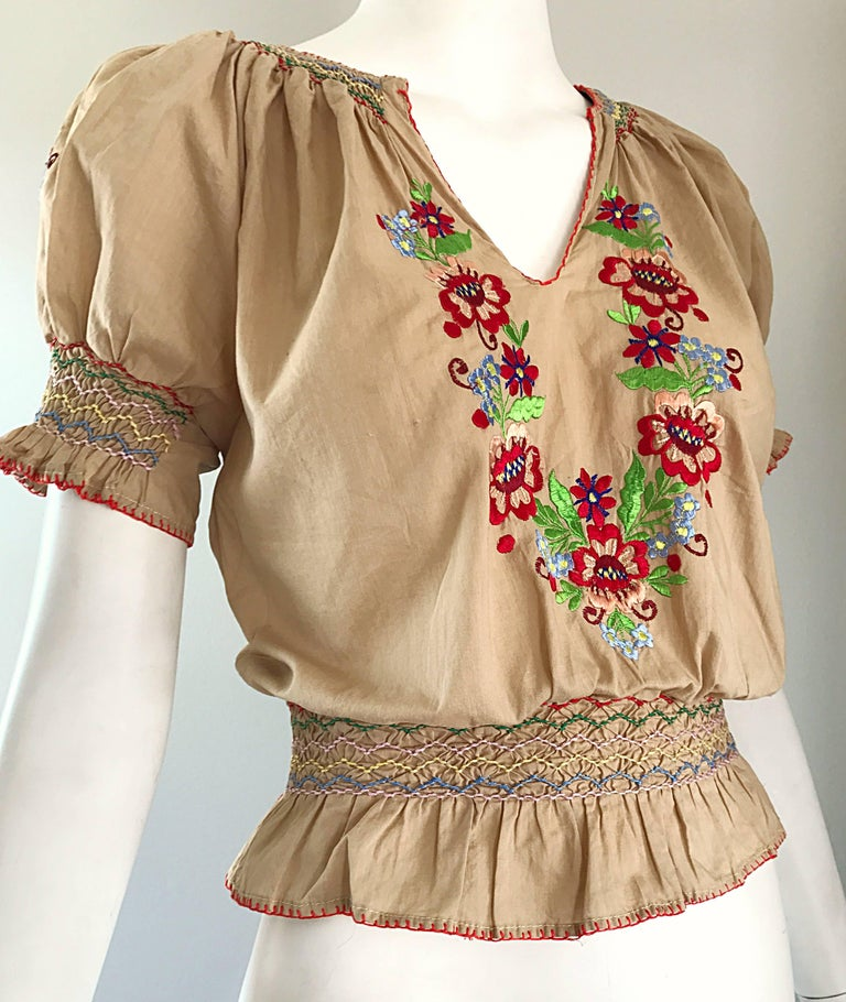 1940s Hungarian Embroidered Khaki Peasant Vintage 40s Smocked Crop Top Blouse  For Sale 4