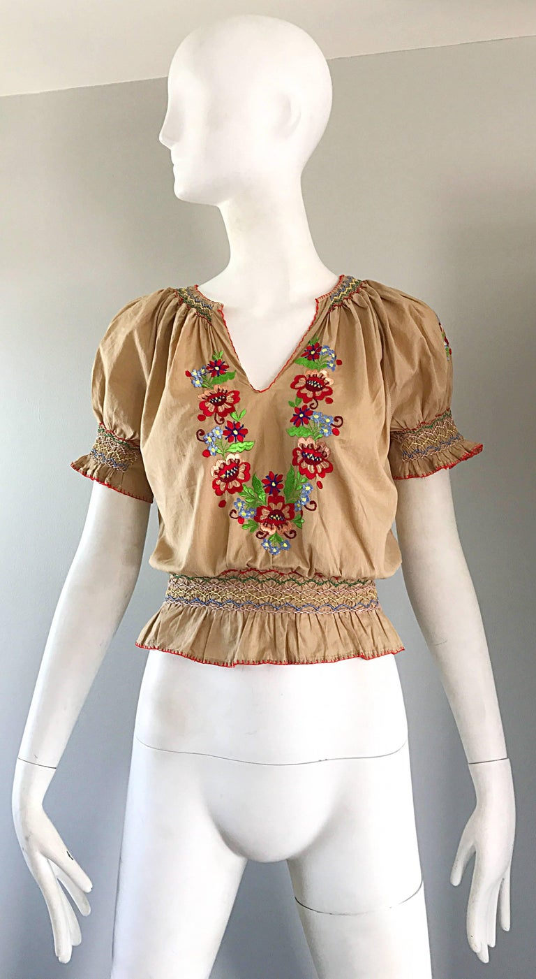 1940s Hungarian Embroidered Khaki Peasant Vintage 40s Smocked Crop Top Blouse  For Sale 5