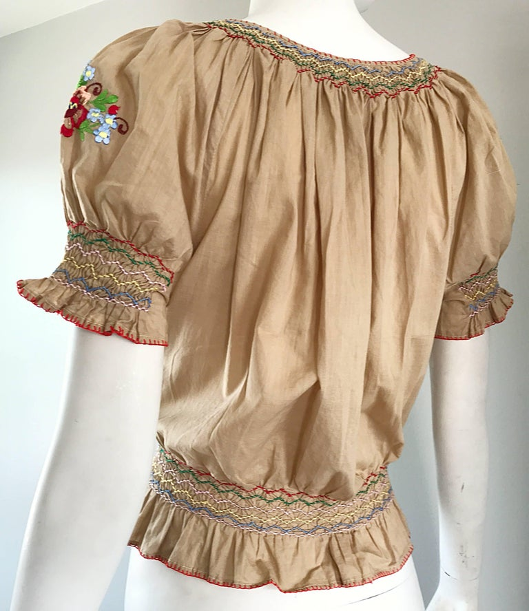1940s Hungarian Embroidered Khaki Peasant Vintage 40s Smocked Crop Top Blouse  For Sale 3