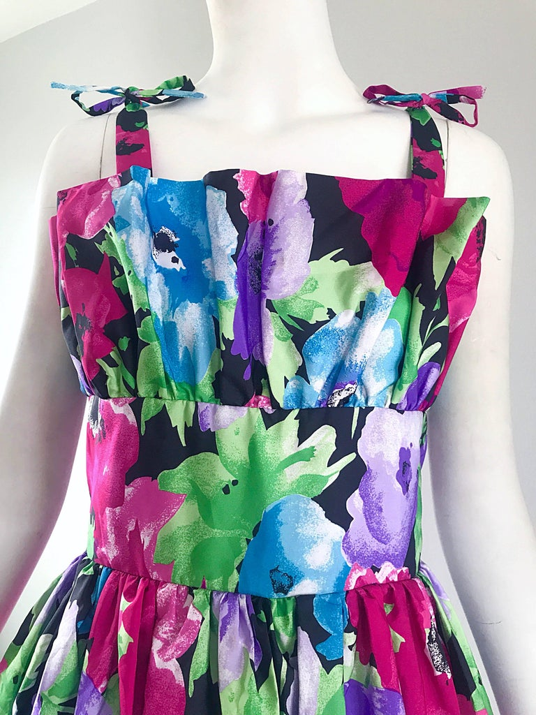 Purple Amazing Vintage Victor Costa Size 16 Tropical Hawaiian Avant Garde Maxi Dress  For Sale