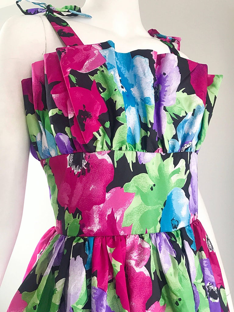 Amazing Vintage Victor Costa Size 12 Tropical Hawaiian Avant Garde Maxi Dress  For Sale 3