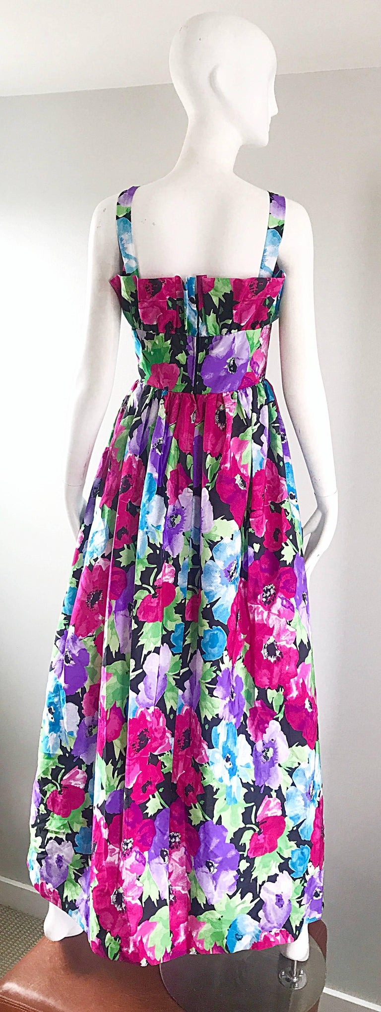 Amazing Vintage Victor Costa Size 12 Tropical Hawaiian Avant Garde Maxi Dress  For Sale 4