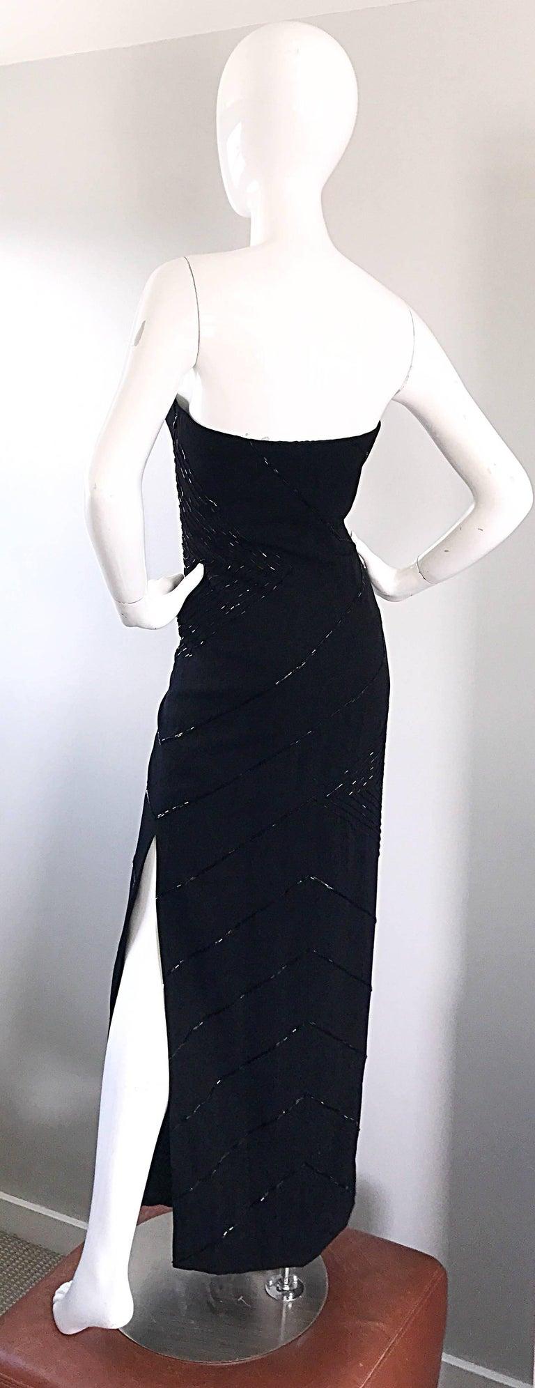 Women's Vintage BIll Blass Black 1990s Beaded Size 8 90s Strapless Evening Dress For Sale