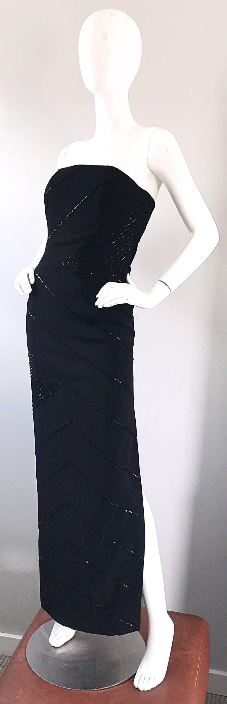 Vintage BIll Blass Black 1990s Beaded Size 8 90s Strapless Evening Dress For Sale 1