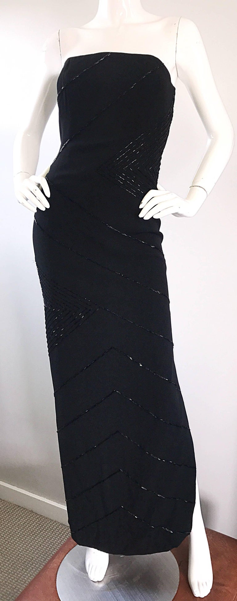 Vintage BIll Blass Black 1990s Beaded Size 8 90s Strapless Evening Dress For Sale 2