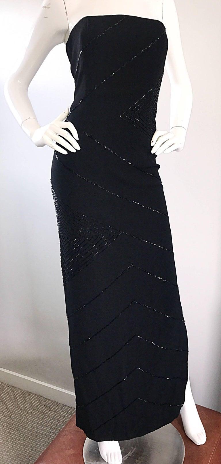 Vintage BIll Blass Black 1990s Beaded Size 8 90s Strapless Evening Dress For Sale 3