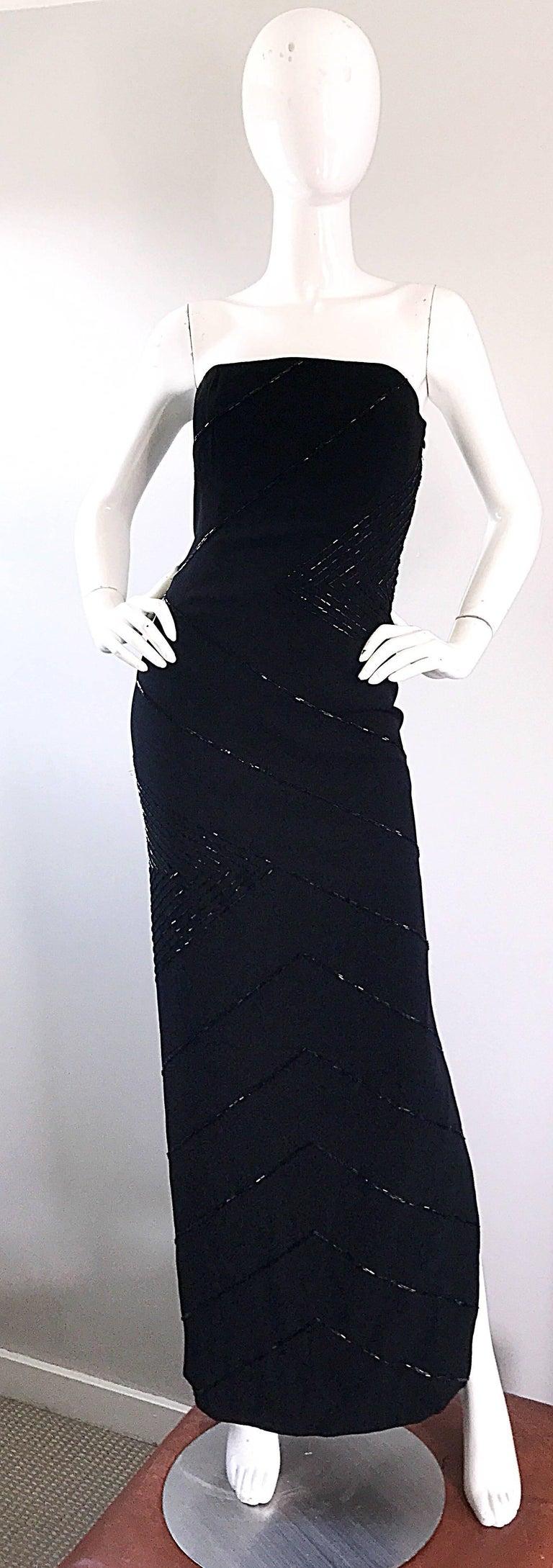Vintage BIll Blass Black 1990s Beaded Size 8 90s Strapless Evening Dress For Sale 5