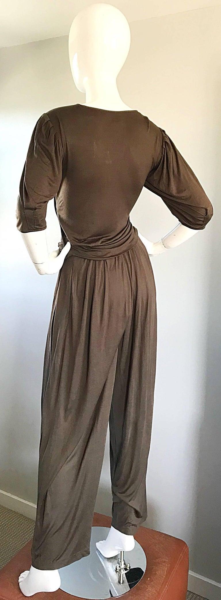 Vintage Emanuel Ungaro Silk Jersey Taupe Two Piece Harem Pants Ensemble Pant Set For Sale 2