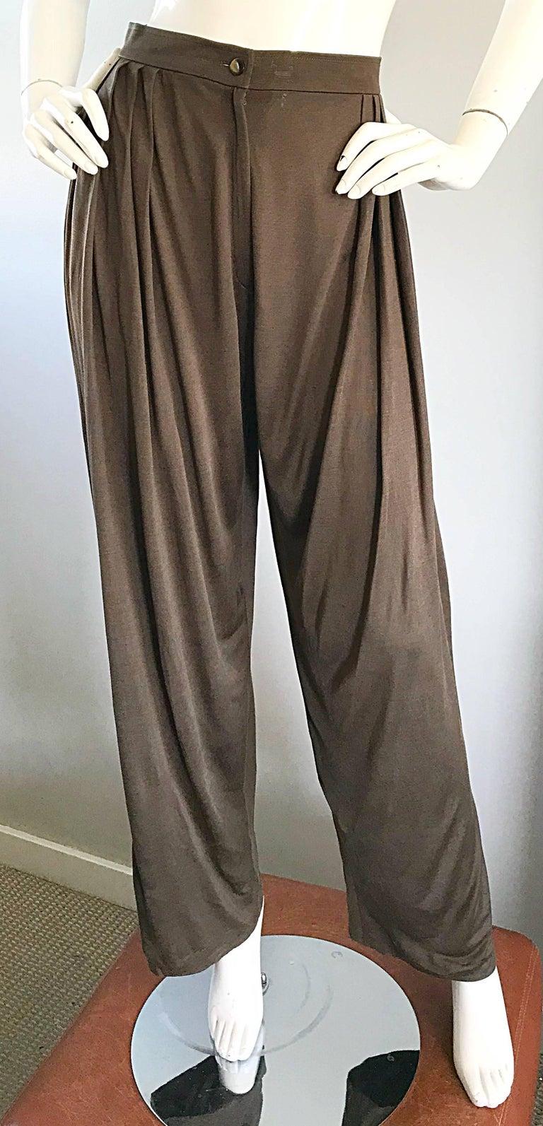 Vintage Emanuel Ungaro Silk Jersey Taupe Two Piece Harem Pants Ensemble Pant Set For Sale 5