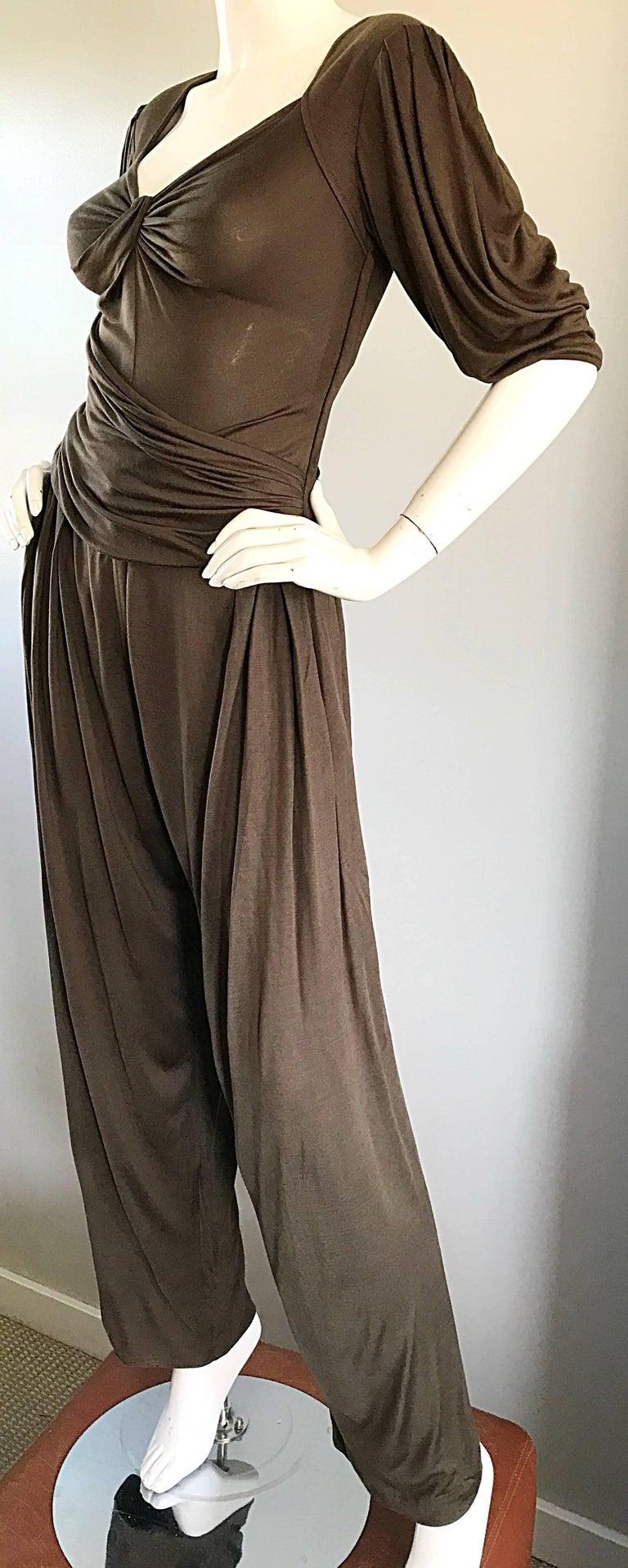 Vintage Emanuel Ungaro Silk Jersey Taupe Two Piece Harem Pants Ensemble Pant Set In Excellent Condition For Sale In Chicago, IL