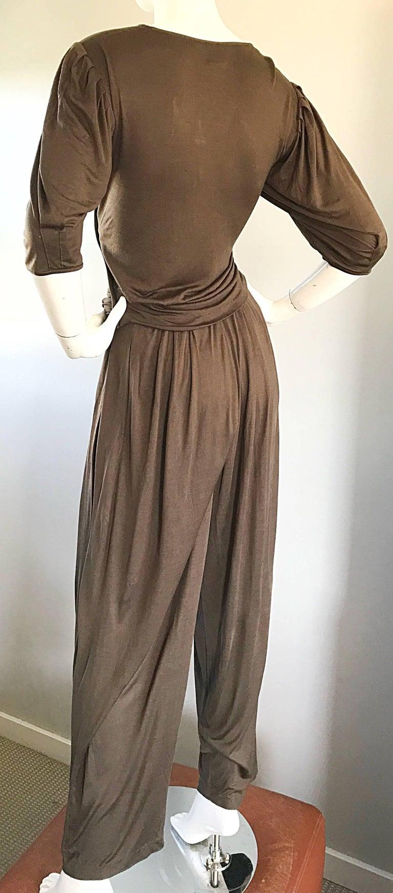 Vintage Emanuel Ungaro Silk Jersey Taupe Two Piece Harem Pants Ensemble Pant Set For Sale 3