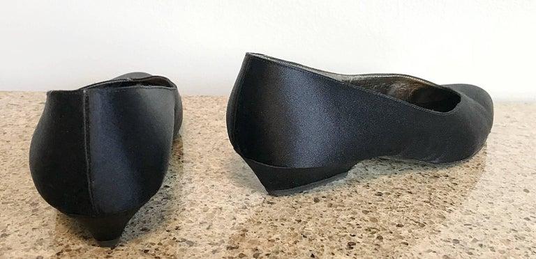 Vintage Thierry Mugler Size 7 1980s Avant Garde  Black Silk Satin Flats Shoes For Sale 4