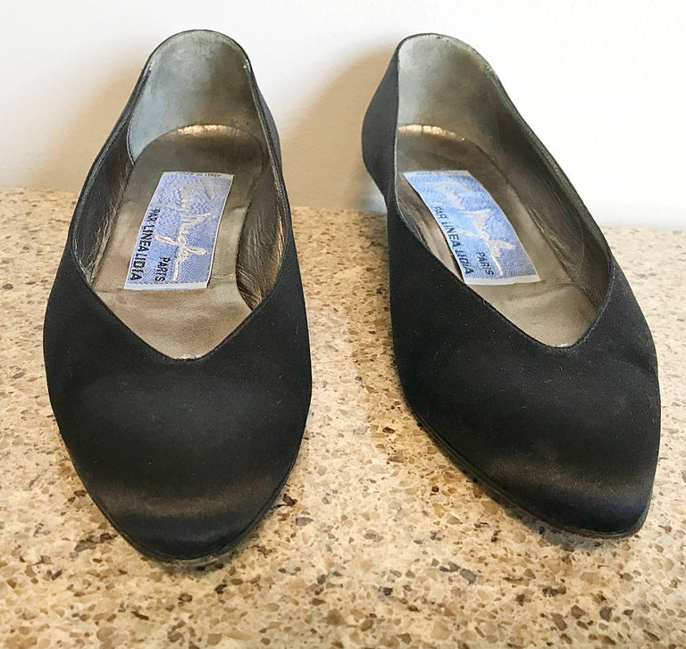 Vintage Thierry Mugler Size 7 1980s Avant Garde  Black Silk Satin Flats Shoes For Sale 2