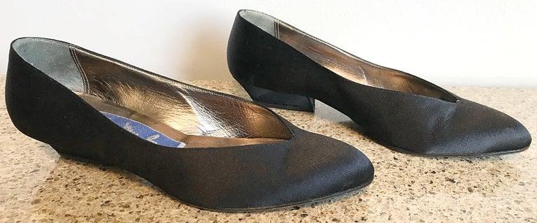 Vintage Thierry Mugler Size 7 1980s Avant Garde  Black Silk Satin Flats Shoes For Sale 1
