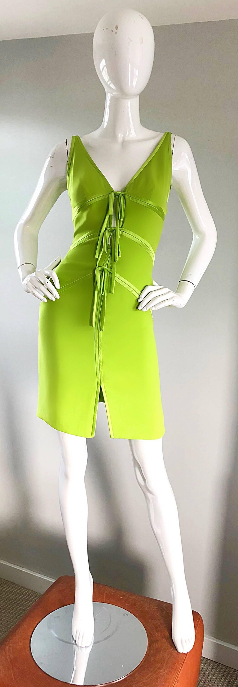 Vintage Valentino Lime Green 1990s Cut - Out Bodycon Sexy Size 4 Silk 90s Dress In Excellent Condition In Chicago, IL