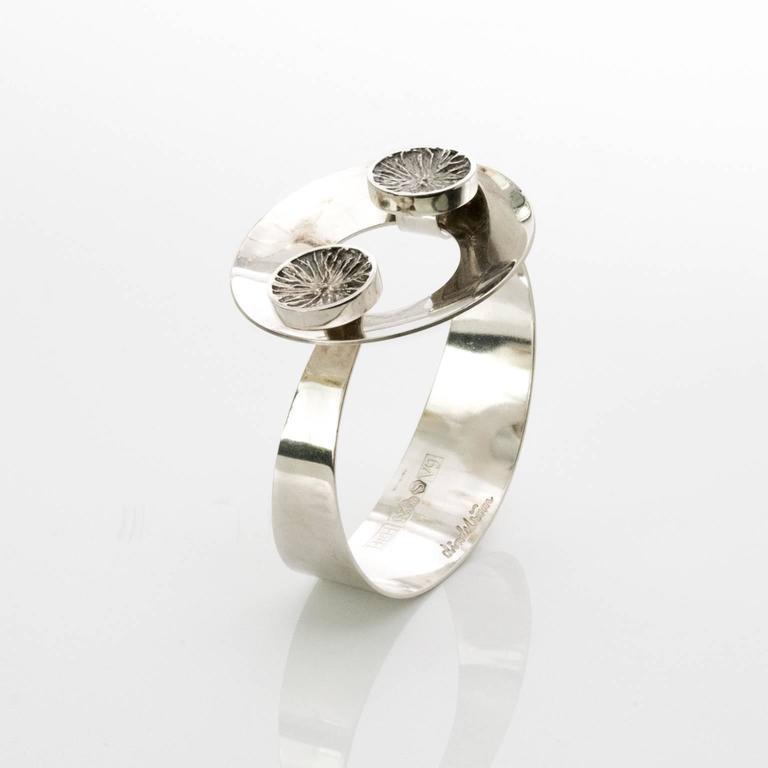 Scandinavian modern silver bracelet with ring clasp. Designed by Ake Lindstrom for Bengt Hallberg, 1971, Sweden.