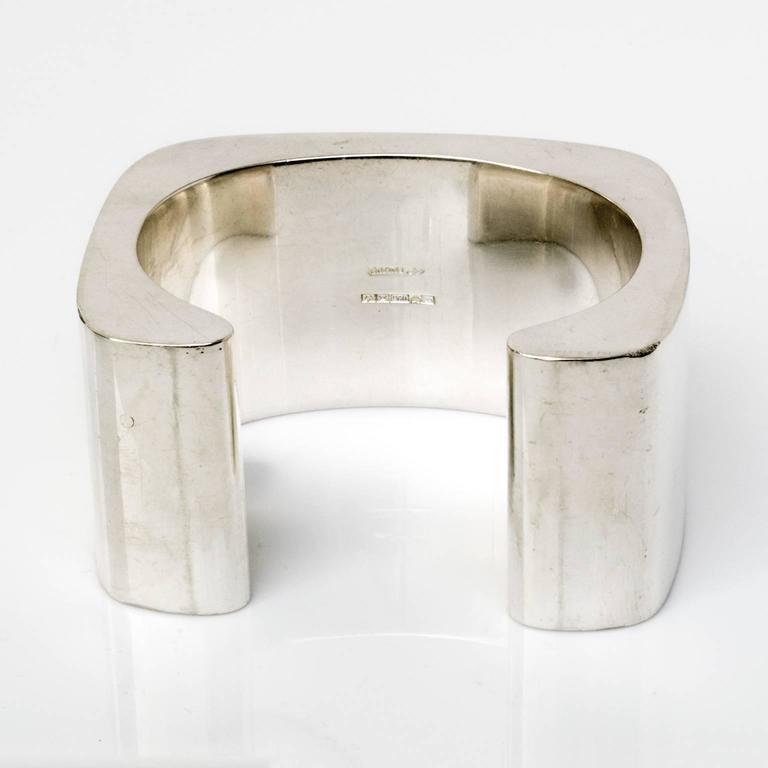 Women's Sterling silver cuff bracelet by Pekka Piekainen, Finland. For Sale