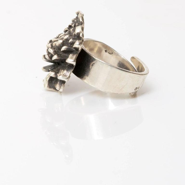 Silver ring by Pentti Sarpaneva, Åbo, Finland 1972. In Good Condition For Sale In New York, NY