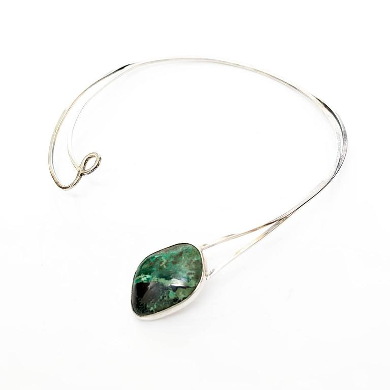 Scandinavian Modern Sterling Silver necklace by Issac Cohen with green stone. For Sale 1