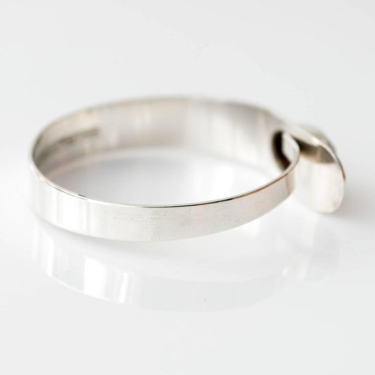 Women's Scandinavian Modern Sterling Silver bracelet by Erik Granit, Helsinki, 1971 For Sale