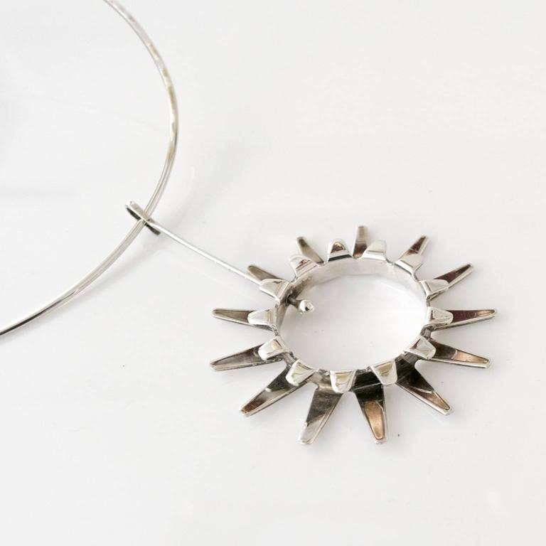 Scandinavian Modern Silver necklace by Tone Vigeland Norway Designs Plus Studios In Excellent Condition For Sale In New York, NY