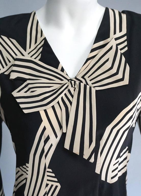 PAULINE TRIGERE Creme & Black Print Cocktail Dress with Bow Detail For Sale 4