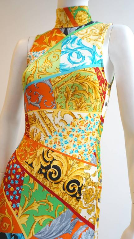 Women's or Men's GIANNI VERSACE Print Jersey Dress with Side Snap Detail For Sale