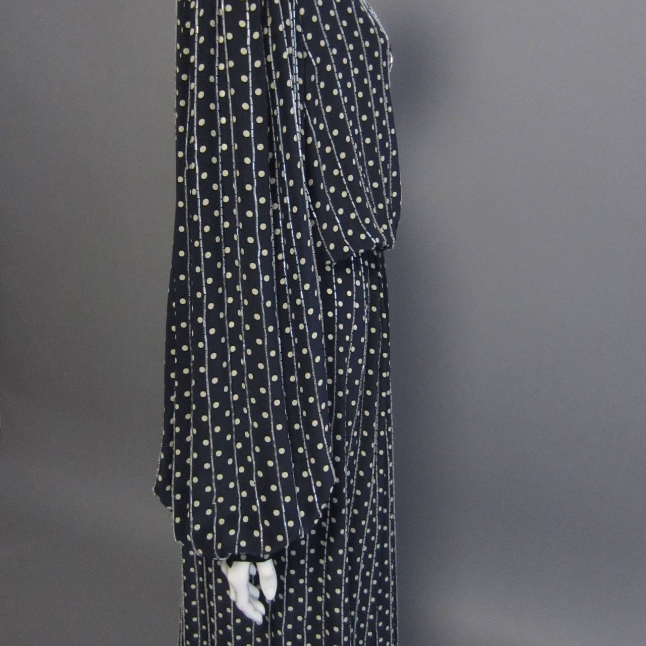 BILL BLASS Navy & Grey Polka Dot Beaded Long Sleeve Gown In Excellent Condition For Sale In New York, NY