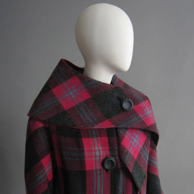 1960s Plaid Coat with Detachable Collar 4