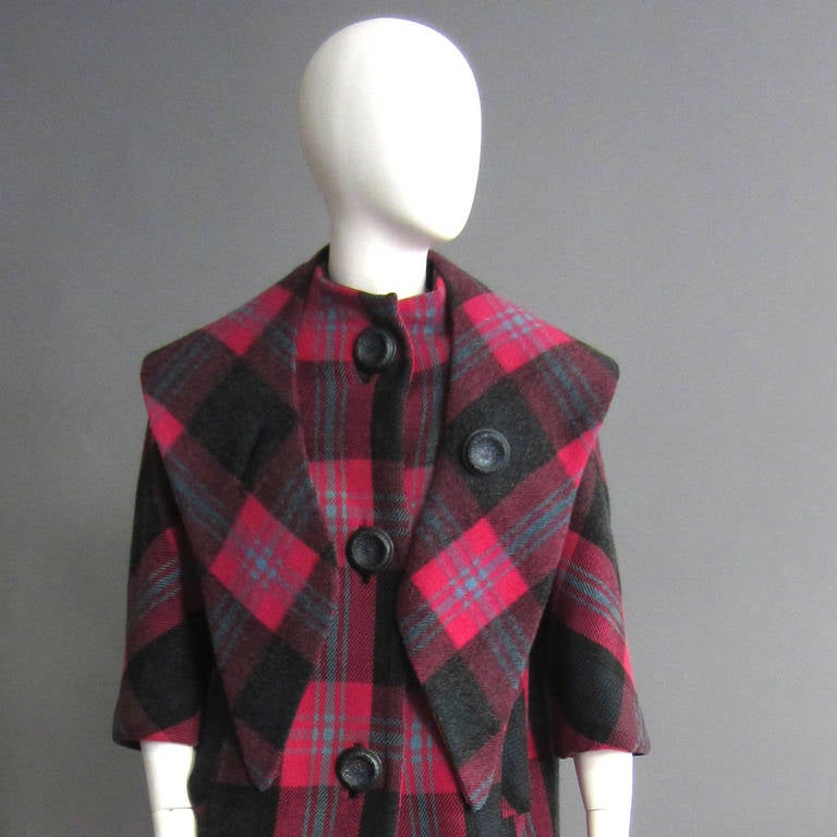 1960s Plaid Coat with Detachable Collar 3