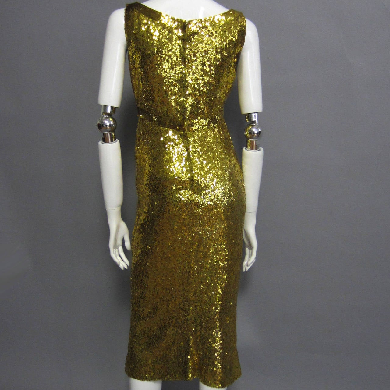 LILLIE RUBIN Sequin Knit Fitted Cocktail Dress In Excellent Condition For Sale In New York, NY