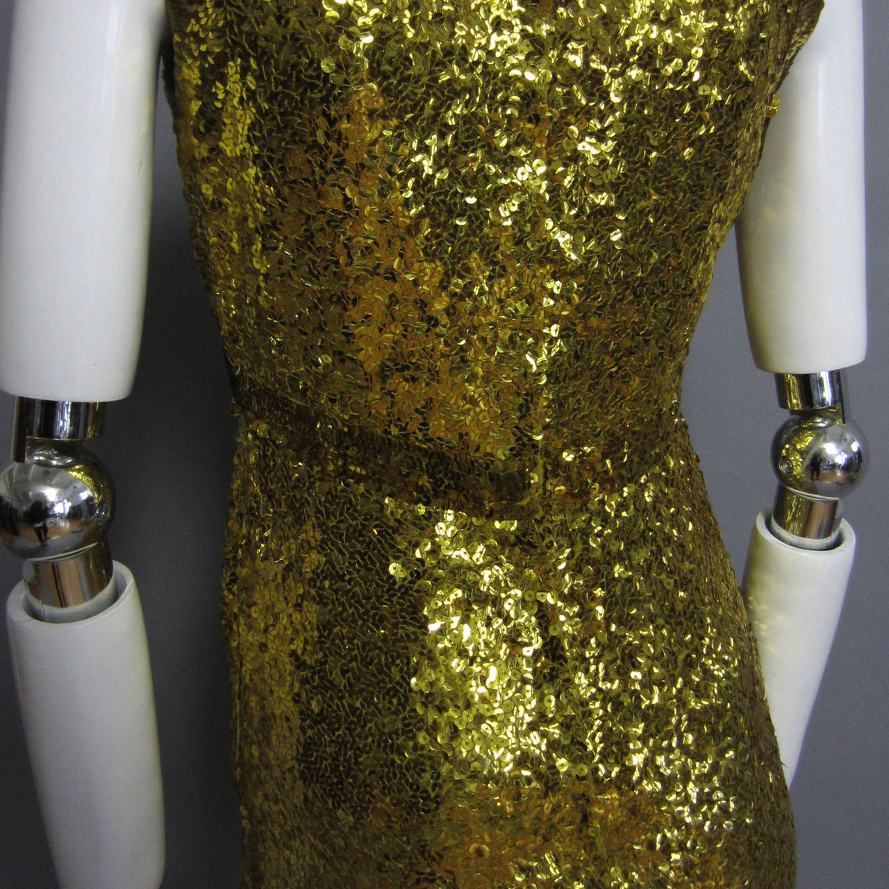 Women's LILLIE RUBIN Sequin Knit Fitted Cocktail Dress For Sale
