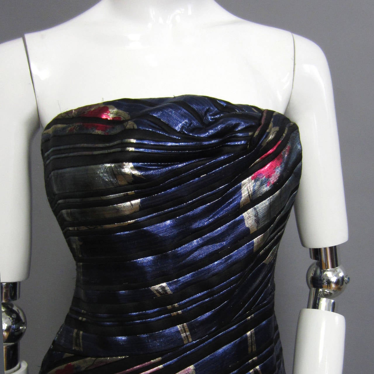 SCAASI Stunning Metallic & Floral Print Gown In Excellent Condition For Sale In New York, NY