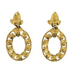 Trifari 1980s Gold Tone Ivy Design Vintage Hoop Earrings