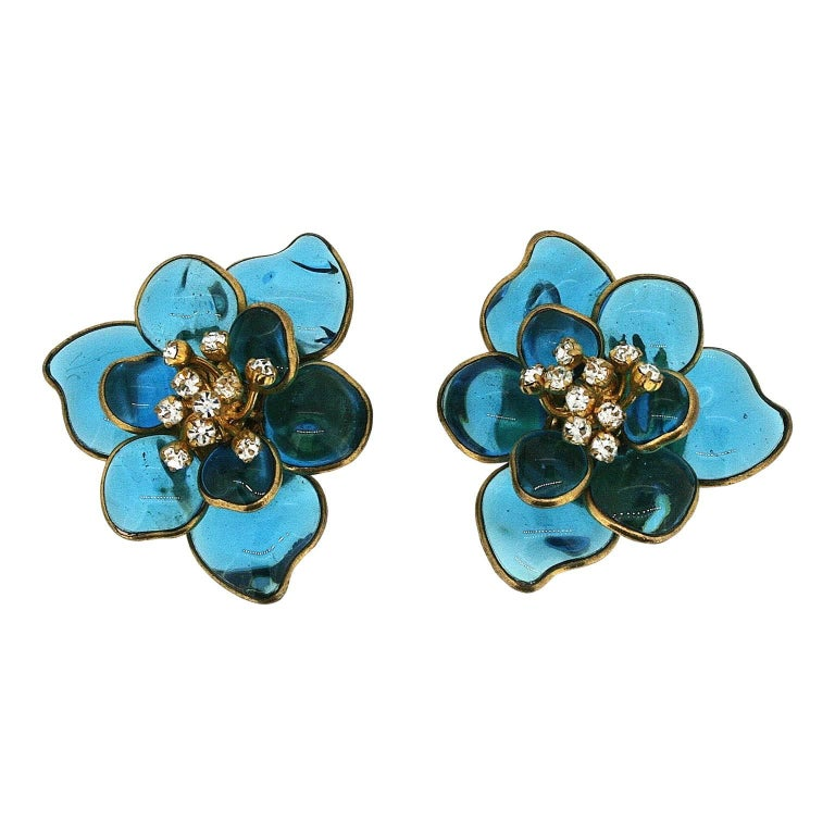 Gripoix 1960s Turquoise Poured Glass and Rhinestone Vintage Flower Earrings 1