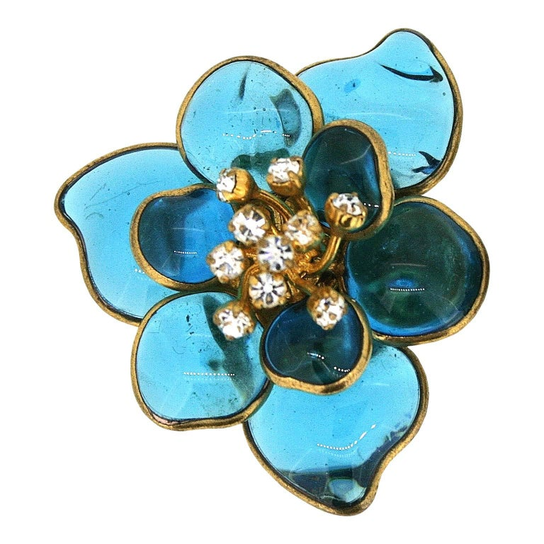 Gripoix 1960s Turquoise Poured Glass and Rhinestone Vintage Flower Earrings 2