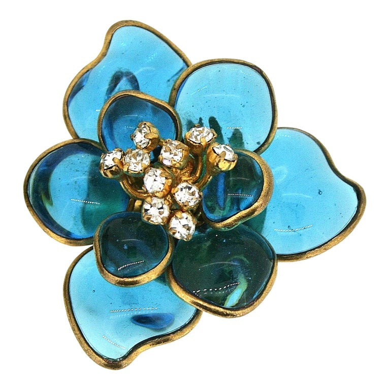 Gripoix 1960s Turquoise Poured Glass and Rhinestone Vintage Flower Earrings 3