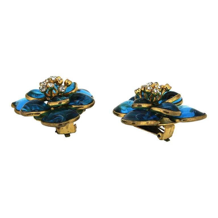 Gripoix 1960s Turquoise Poured Glass and Rhinestone Vintage Flower Earrings 4