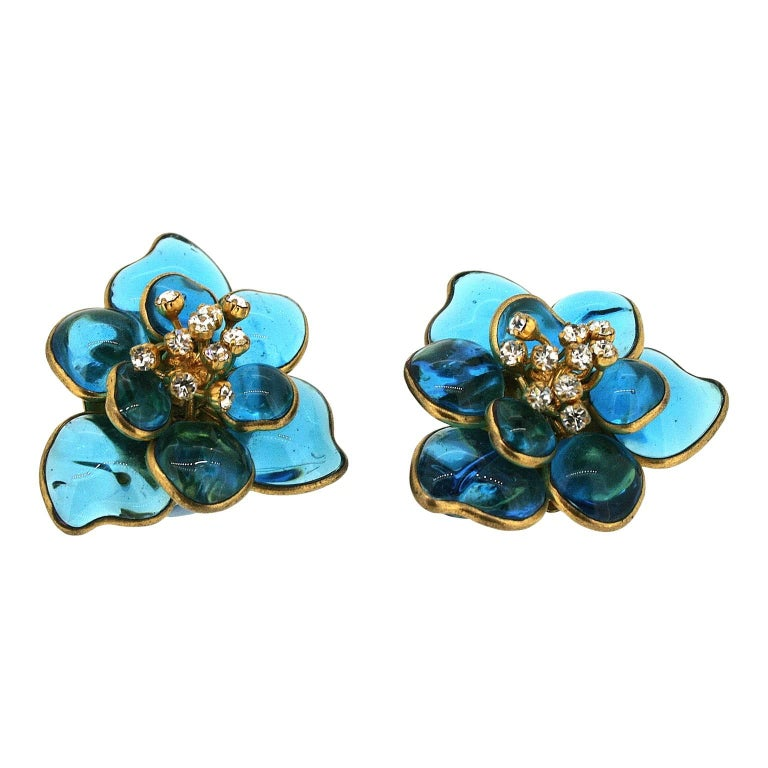 Gripoix 1960s Turquoise Poured Glass and Rhinestone Vintage Flower Earrings 5
