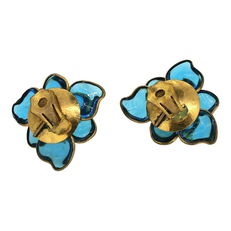 Gripoix 1960s Turquoise Poured Glass and Rhinestone Vintage Flower Earrings 6